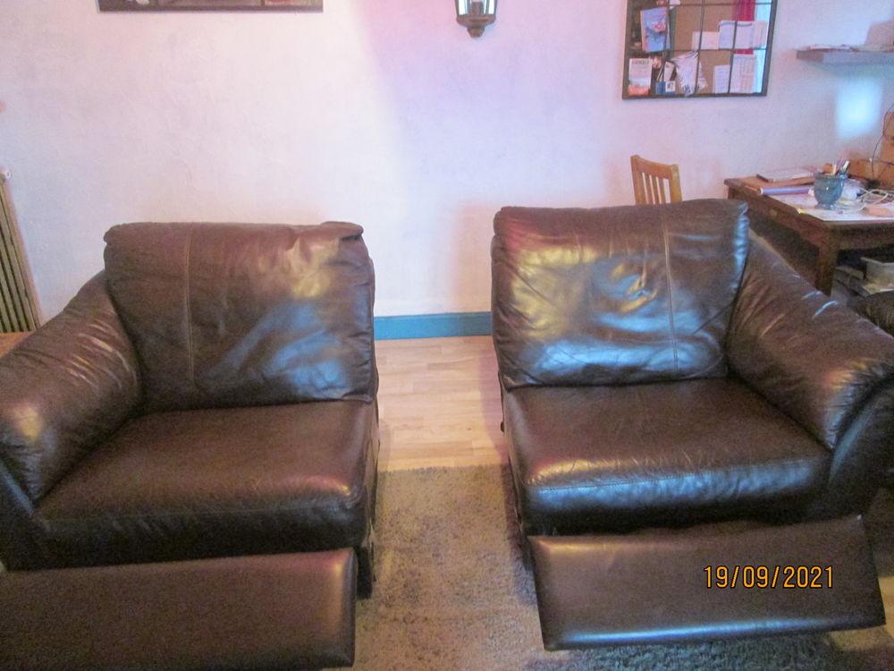 un canapé en cuir avec différentes positions 200 Mérillac (22)