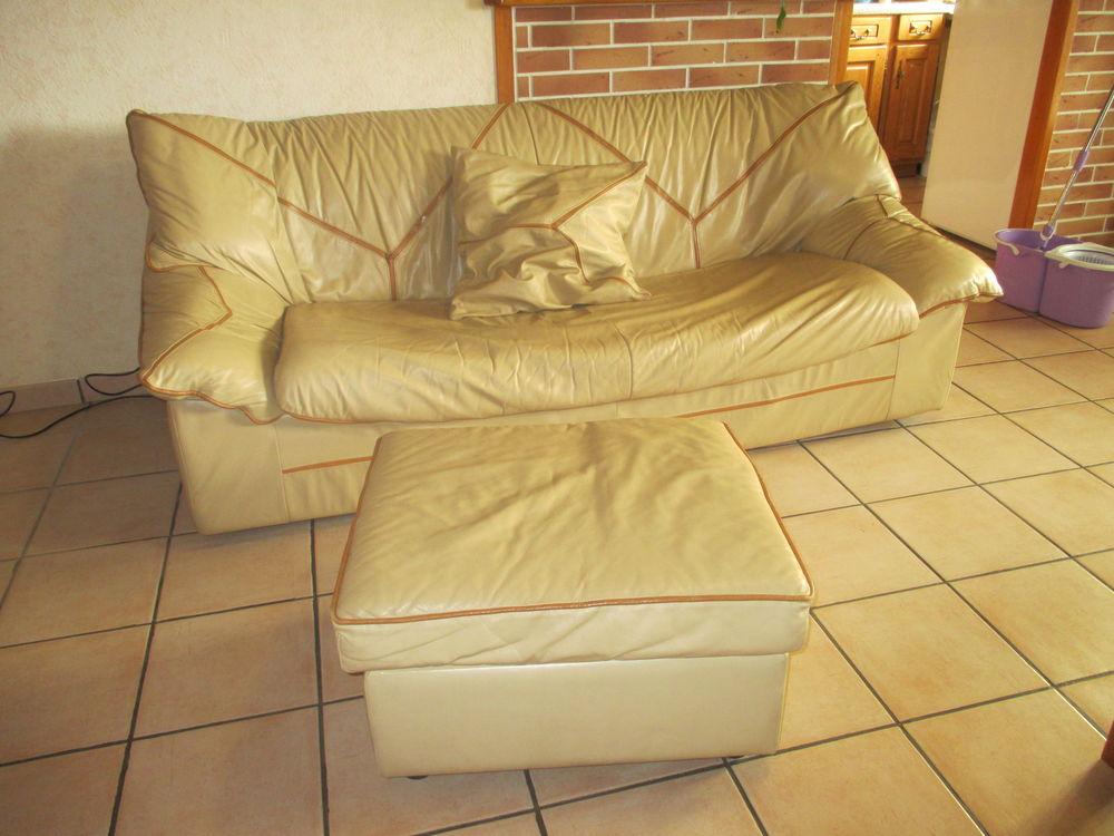 poufs occasion dans le puy de d me 63 annonces achat et vente de poufs paruvendu mondebarras. Black Bedroom Furniture Sets. Home Design Ideas