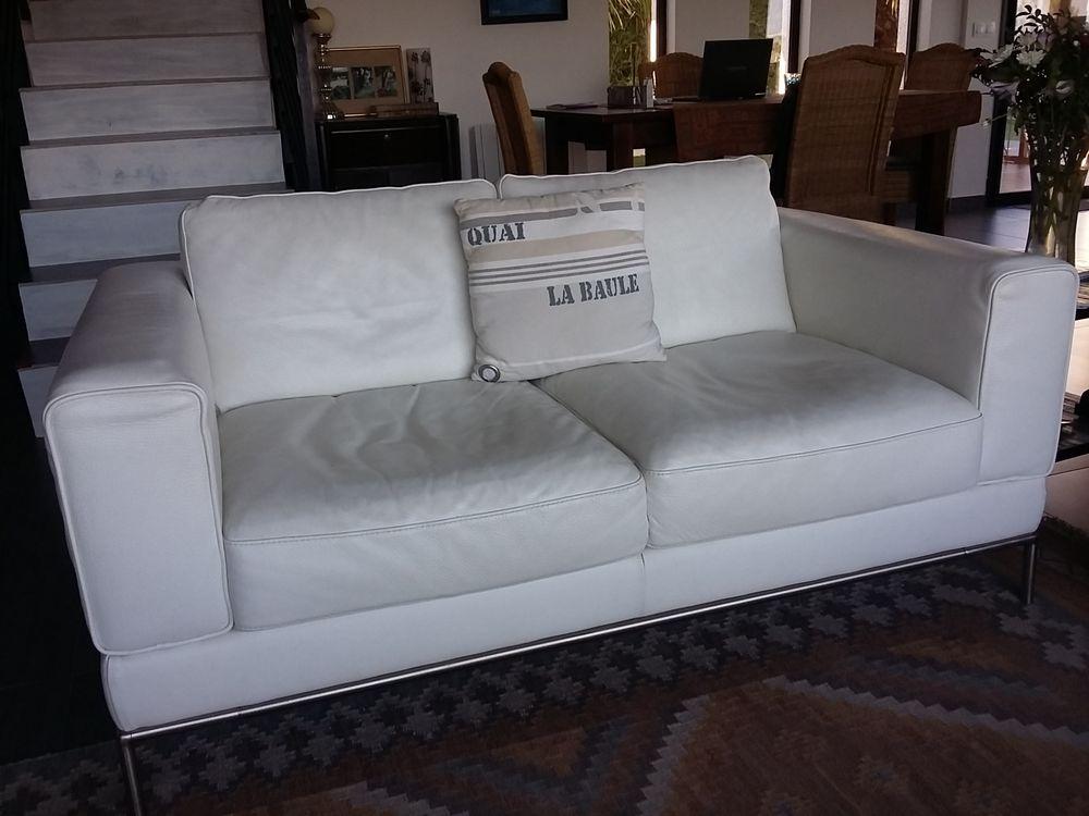 Achetez canap cuir blanc occasion annonce vente la for Monsieur meuble canape cuir blanc