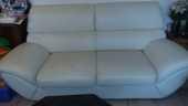 Canapé en cuir blanc + pouffe en cuir blanc 350 Gujan-Mestras (33)