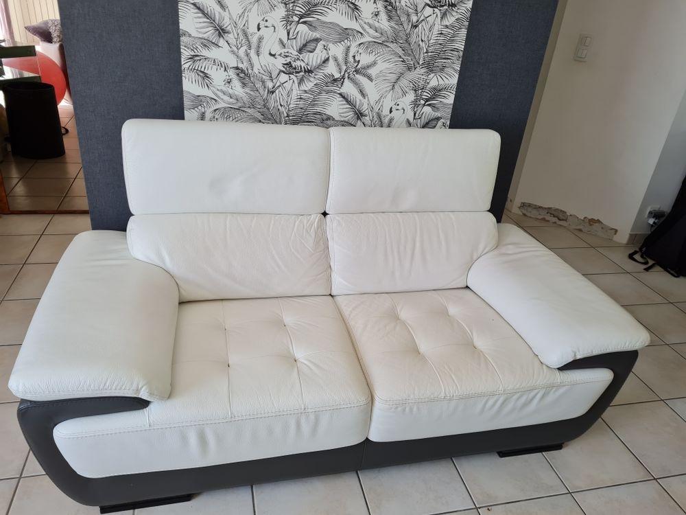 canapé cuir blanc et gris, appuies têtes réglables 210 Mayenne (53)