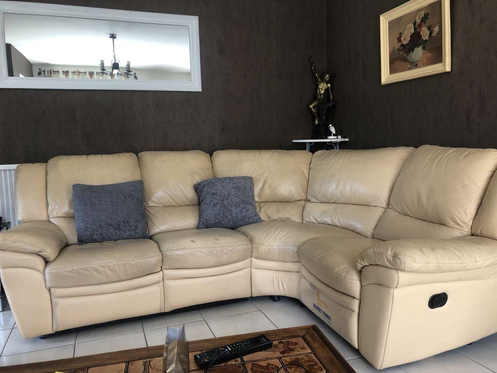 Canapé en cuir blanc et son fauteuil assorti. 0 Mérignac (33)