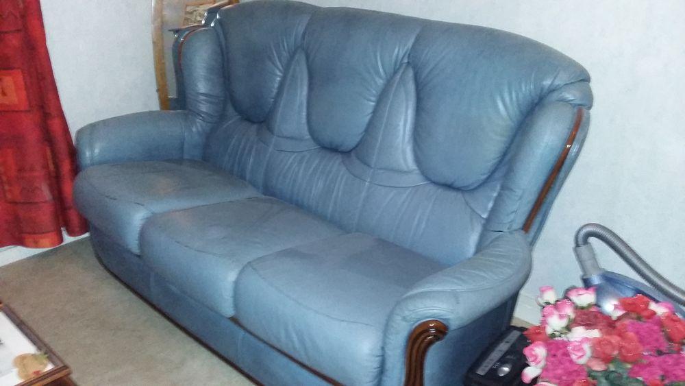 canap s occasion angoul me 16 annonces achat et vente de canap s paruvendu mondebarras page 2. Black Bedroom Furniture Sets. Home Design Ideas