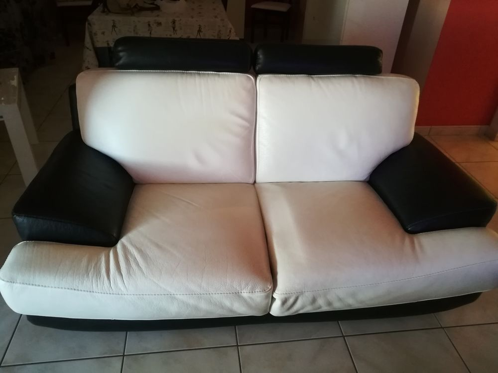 canape en cuir buffle 2 places blanc et noir  1000 Nimes (30)