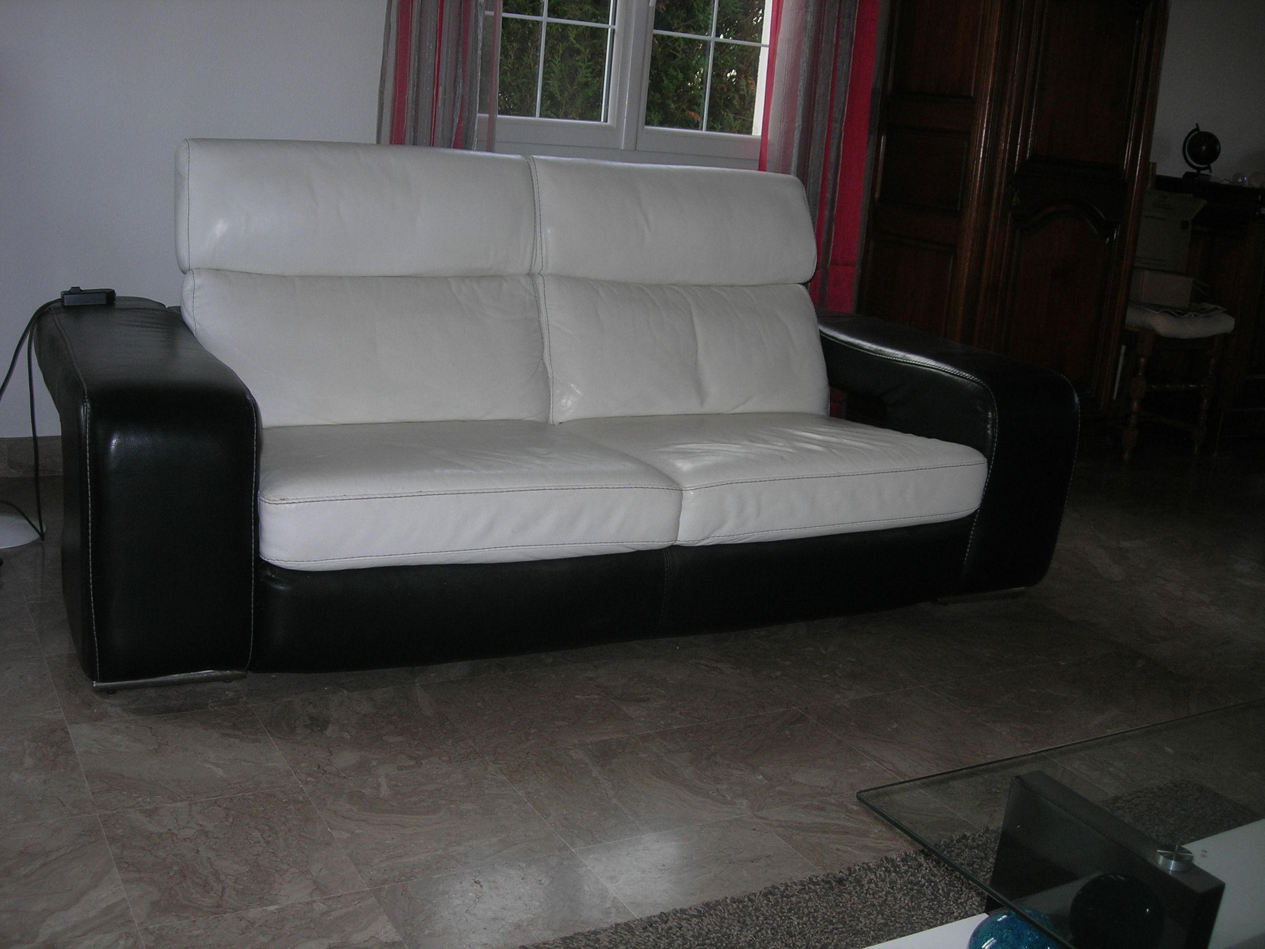 canap s occasion en vend e 85 annonces achat et vente de canap s paruvendu mondebarras page 14. Black Bedroom Furniture Sets. Home Design Ideas