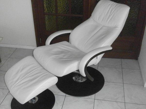 salons cuir occasion dans l 39 orne 61 annonces achat et vente de salons cuir paruvendu. Black Bedroom Furniture Sets. Home Design Ideas