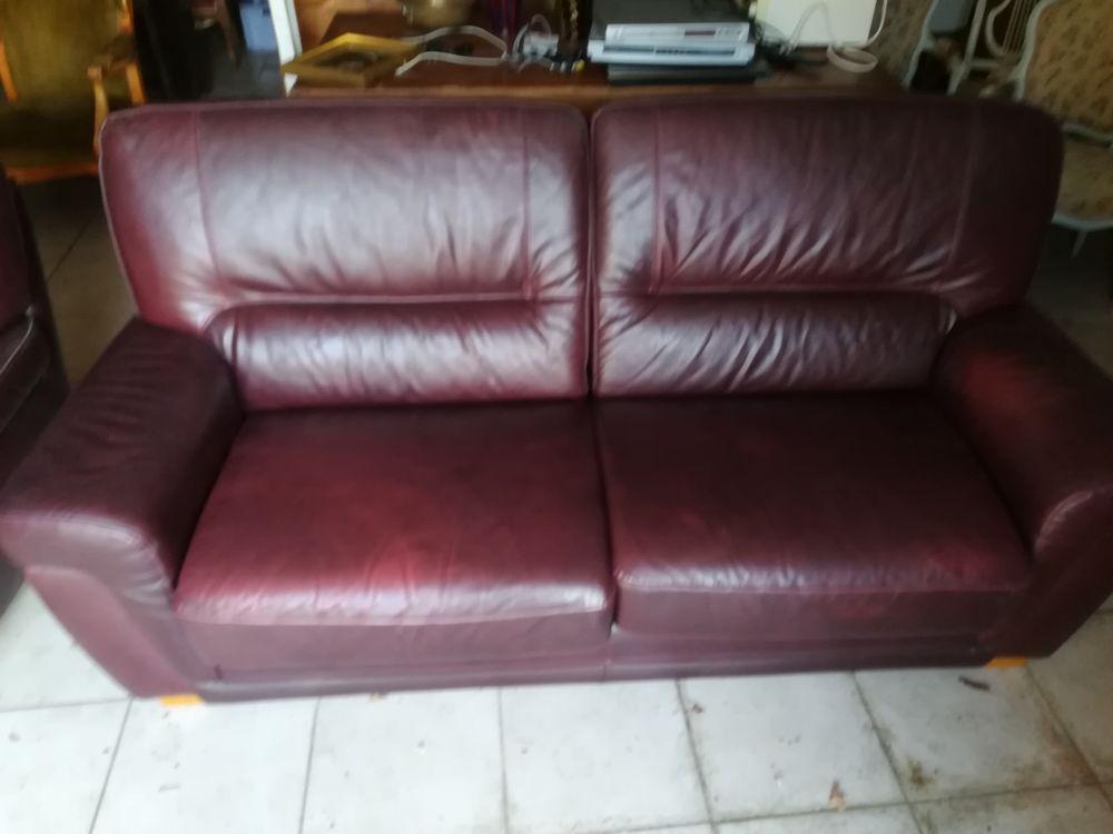 canapé cuir et son fauteuil couleur fauve 350 La Rochette (77)