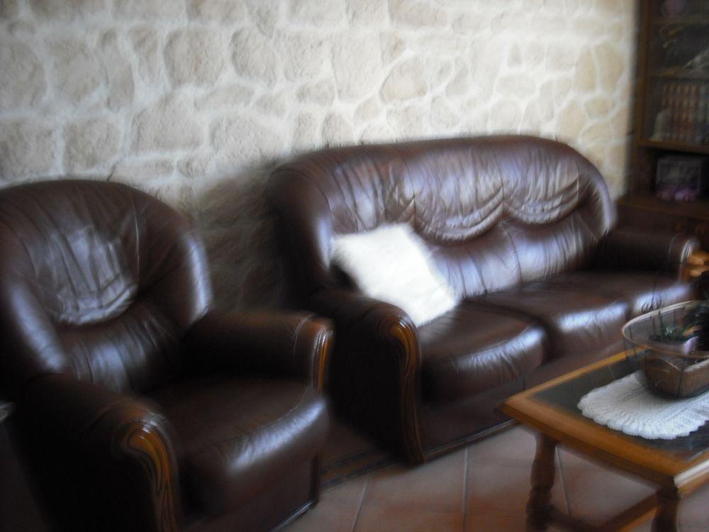 canapé cuir marron avec ses deux fauteuils 1200 Rochefort (17)