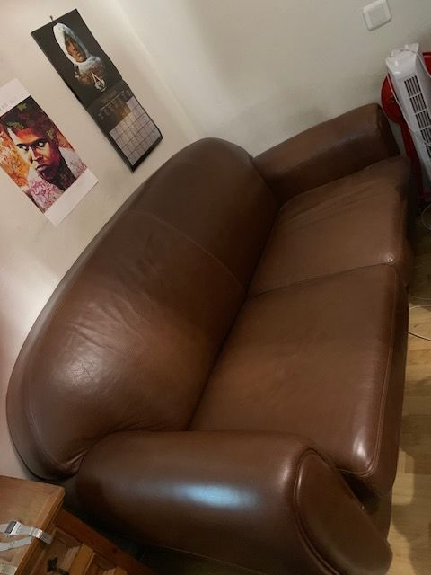 Canapé en cuir marron 100 Montpellier (34)