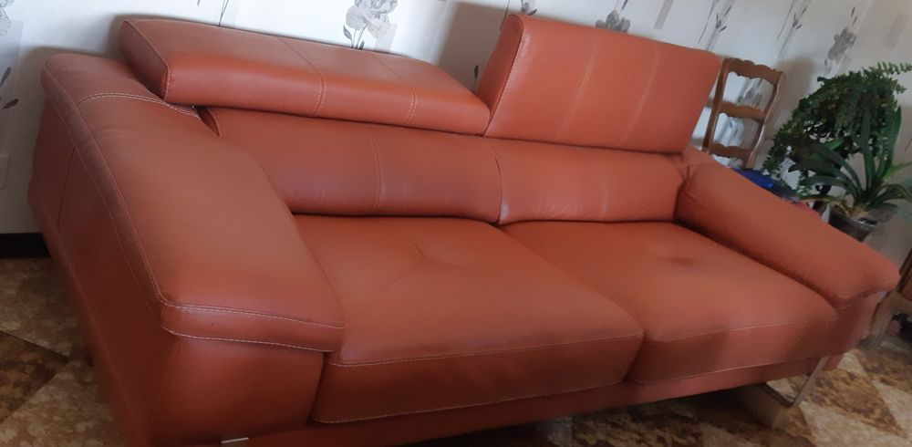 Canapé cuir  3 places 250 Seynod (74)