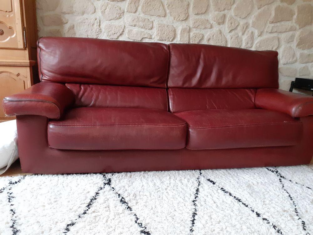 Canapé cuir 3 places fixe en bon état  120 Palaiseau (91)