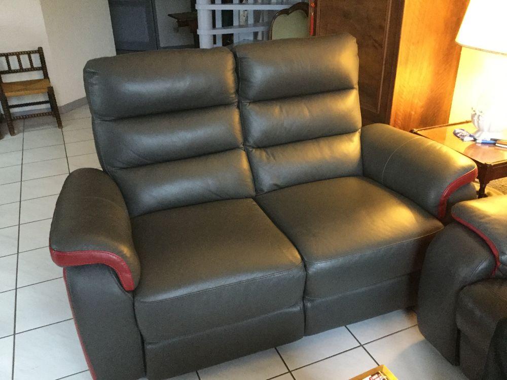 2 canapé cuir relax 700 Gières (38)
