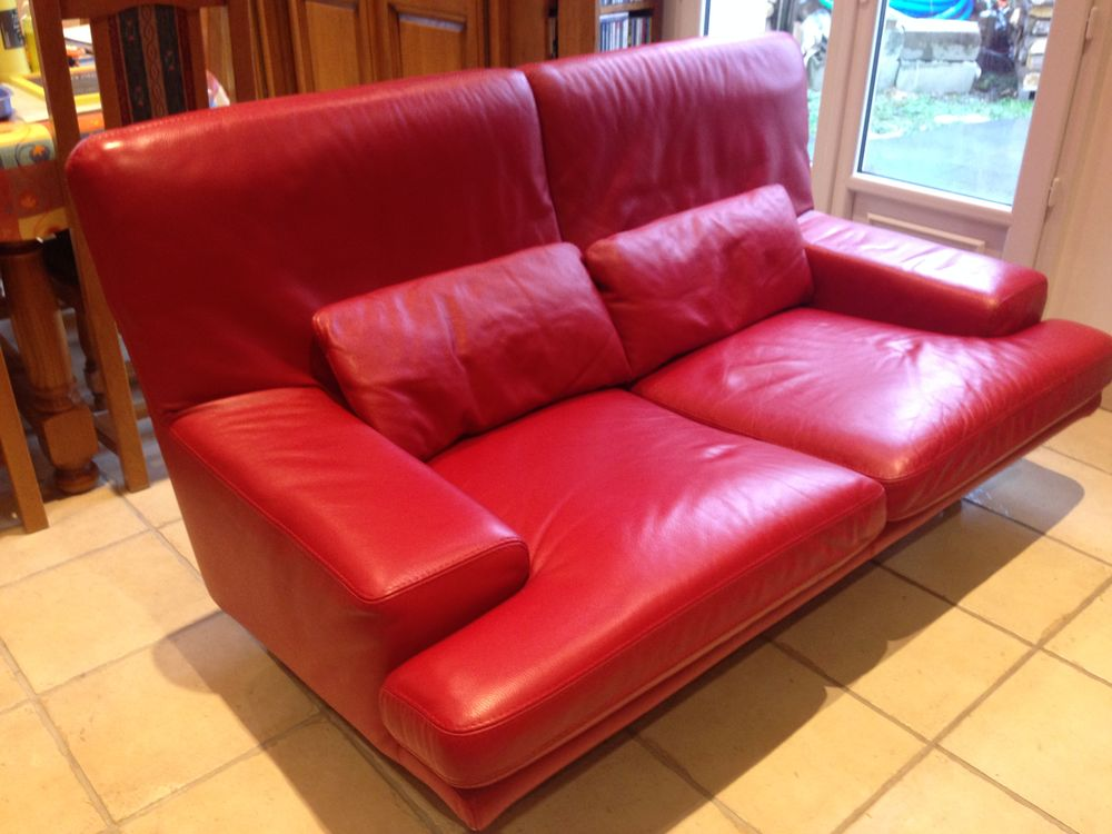 canap s cuir rouge occasion en le de france annonces achat et vente de canap s cuir rouge. Black Bedroom Furniture Sets. Home Design Ideas
