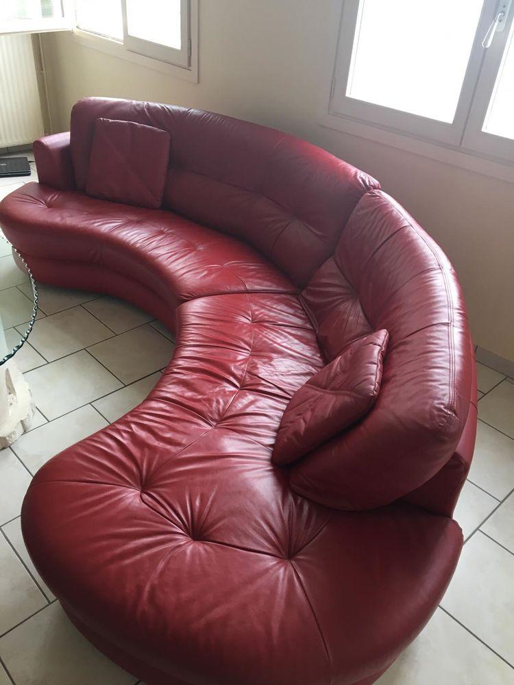 Canapé en cuir rouge 450 Cergy (95)