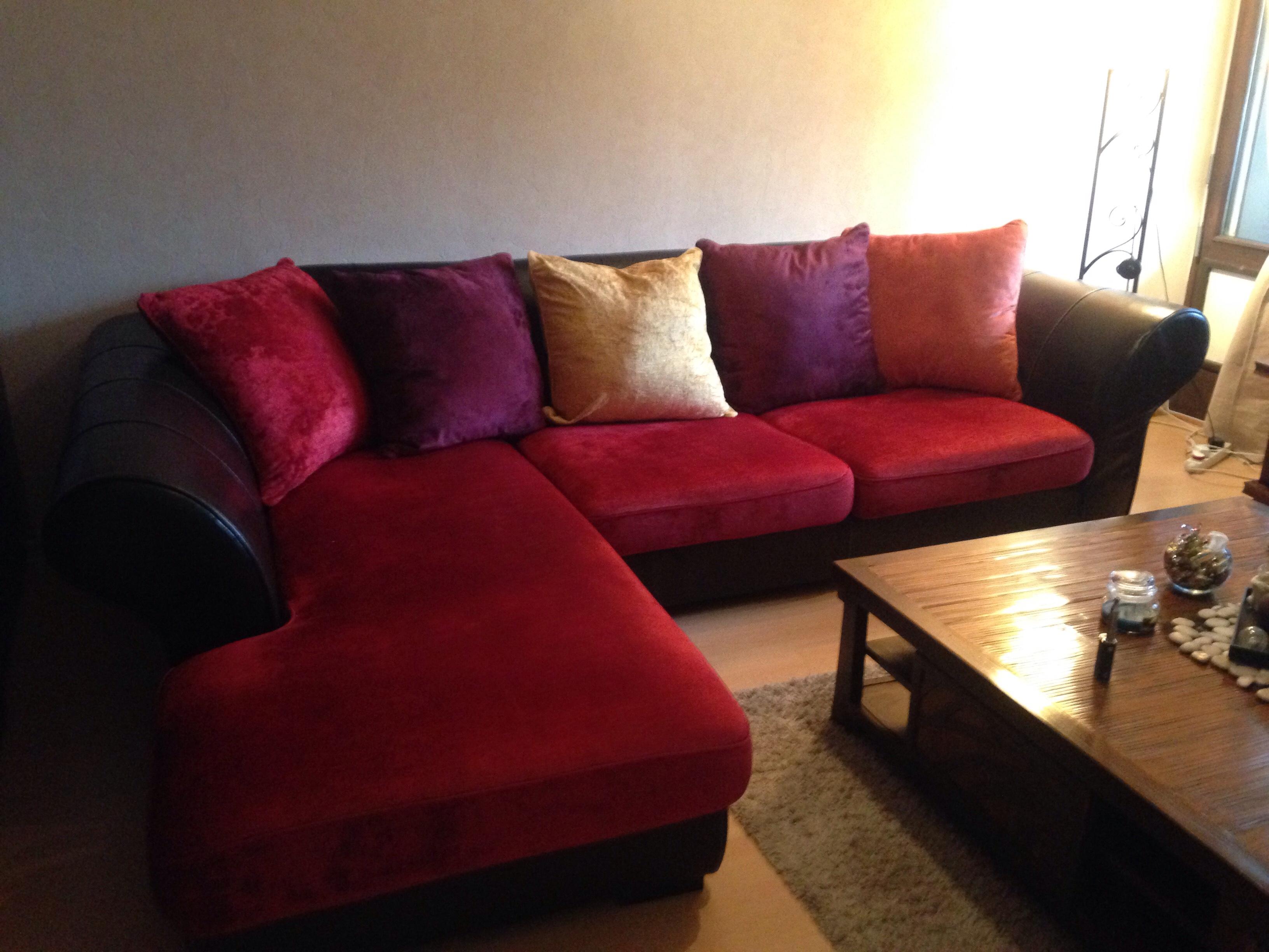 canap s cuir rouge occasion lyon 69 annonces achat et vente de canap s cuir rouge. Black Bedroom Furniture Sets. Home Design Ideas
