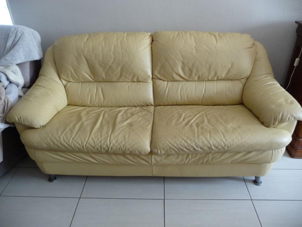 canap s 3 places occasion dans l 39 ari ge 09 annonces achat et vente de canap s 3 places. Black Bedroom Furniture Sets. Home Design Ideas