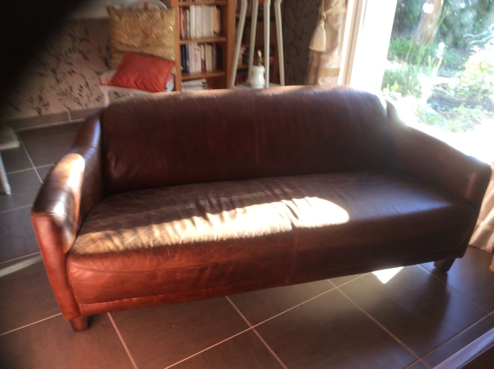 canapé cuir 1700 Les Ventes (27)