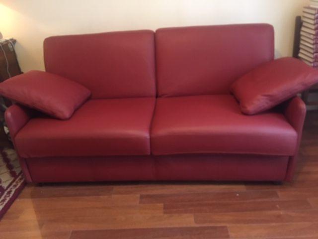 Canapé lit en cuir  950 Saint-Leu-la-Forêt (95)