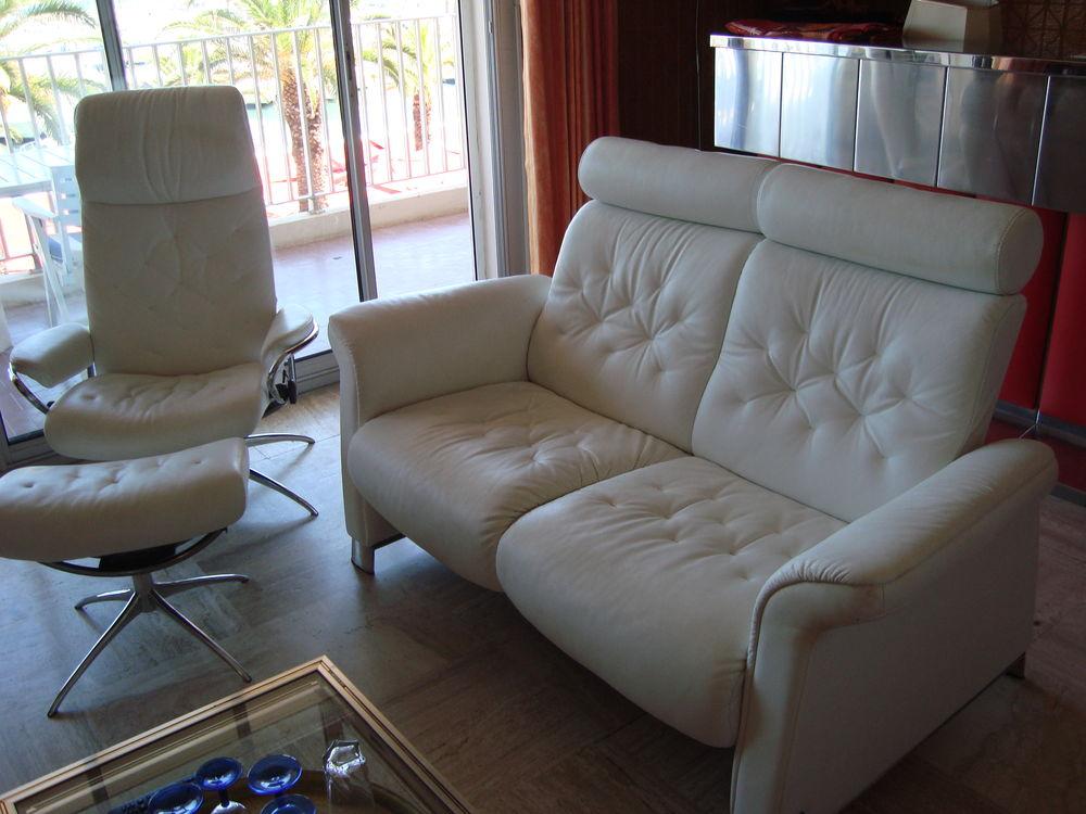 Canapé design cuir blanc 1000 Garéoult (83)