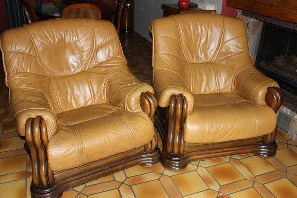 Canap s en cuir occasion en sa ne et loire 71 annonces for Canape et deux fauteuils