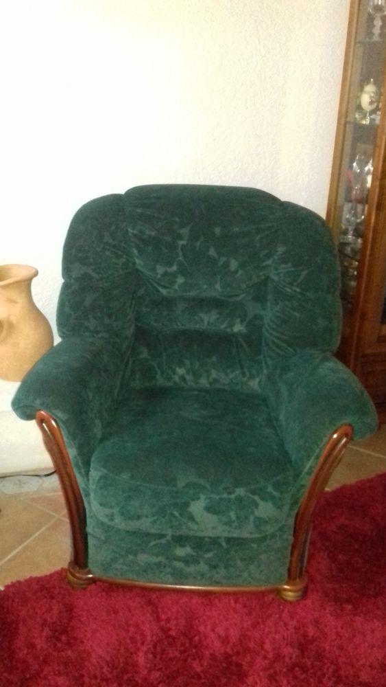 Canap s occasion saintes 17 annonces achat et vente for Canape et deux fauteuils