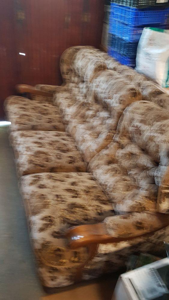 Canapé lit et deux fauteuils  40 Boisgervilly (35)