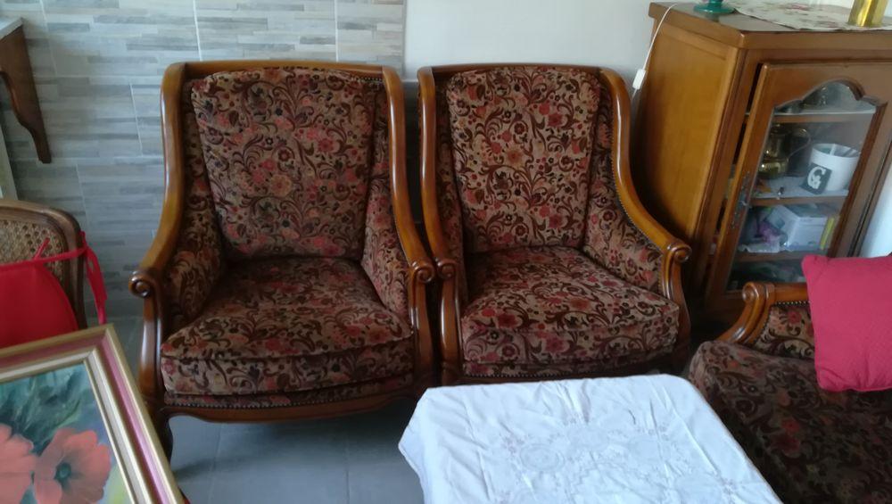 canapé à deux places+ 2 fauteuils 110 Jaunay-Clan (86)