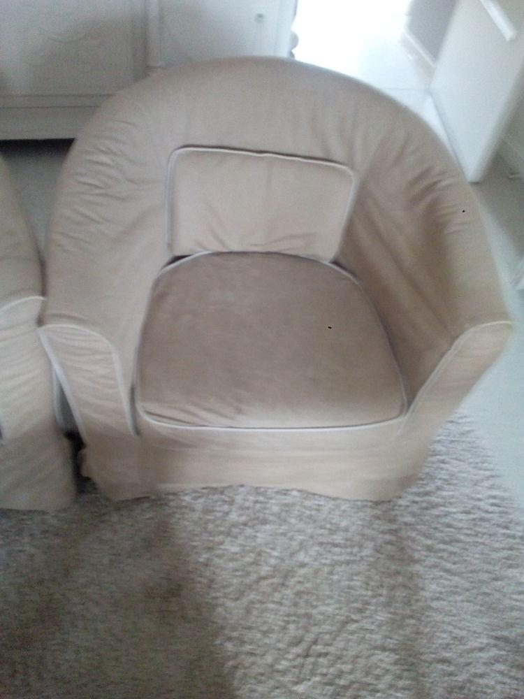 Canapé deux places et deux fauteuils 450 Béthune (62)