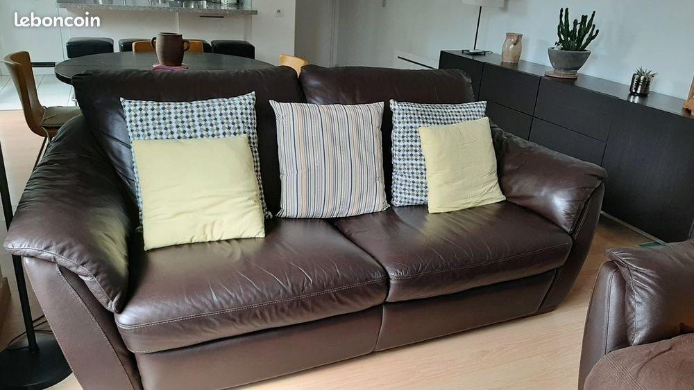Canapé et fauteuil en cuir marron  220 Noisy-le-Sec (93)