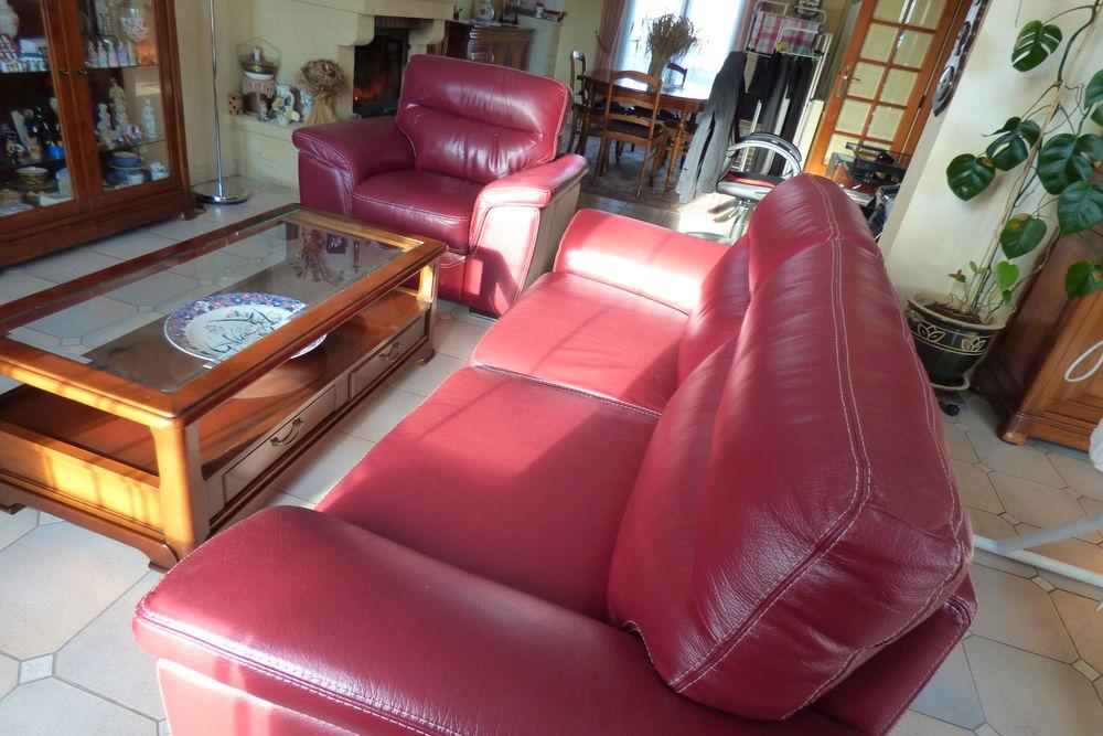 1 Canapé + 1 fauteuil en cuir rouge 800 Savigny-sur-Orge (91)