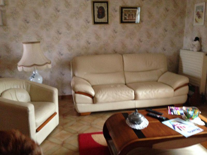 canapé et fauteuil en cuir.  0 Mulsanne (72)