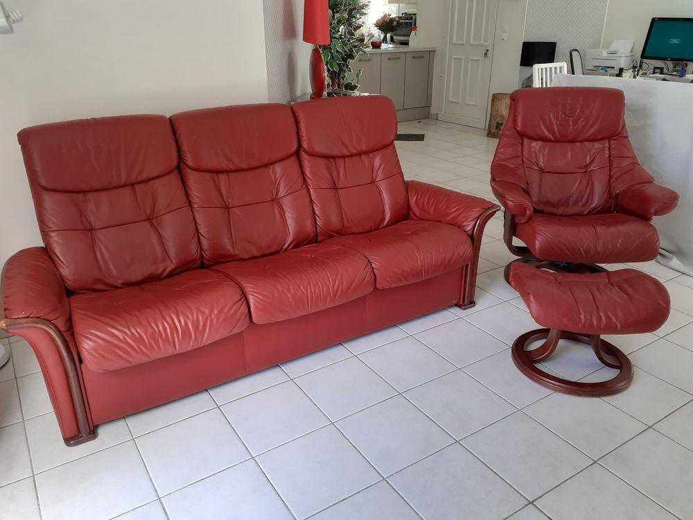 Canapé + fauteuil et repose-pieds cuir 500 Saint-Brevin-les-Pins (44)