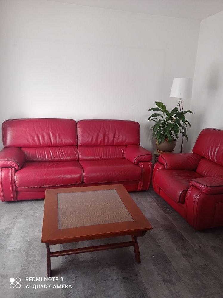 Canapé fauteuil et table basse  500 Artigues-près-Bordeaux (33)