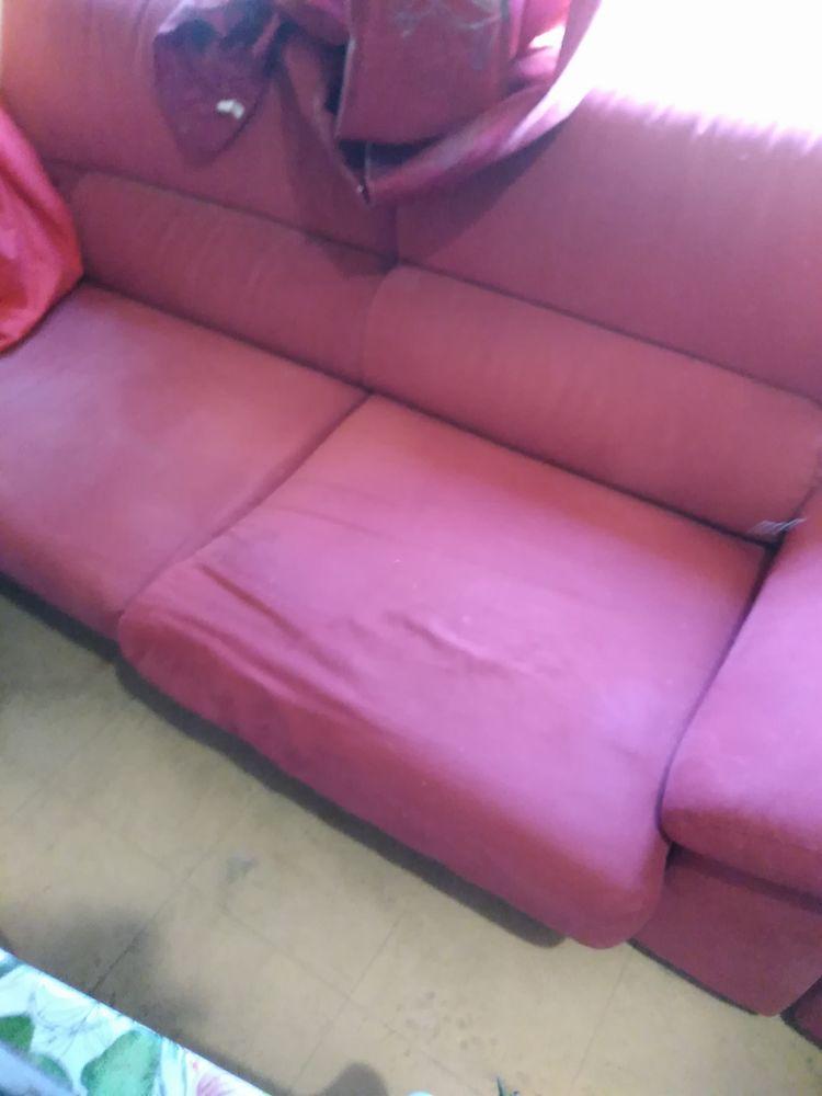 Canapé et fauteuil + tables basse  40 Montigny-le-Bretonneux (78)