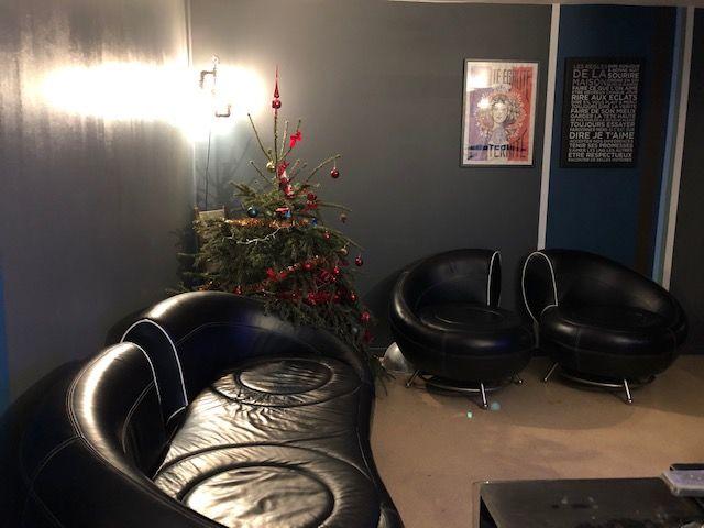 Canapé + 2 fauteuils en cuir noir DESIGN  380 Issy-les-Moulineaux (92)