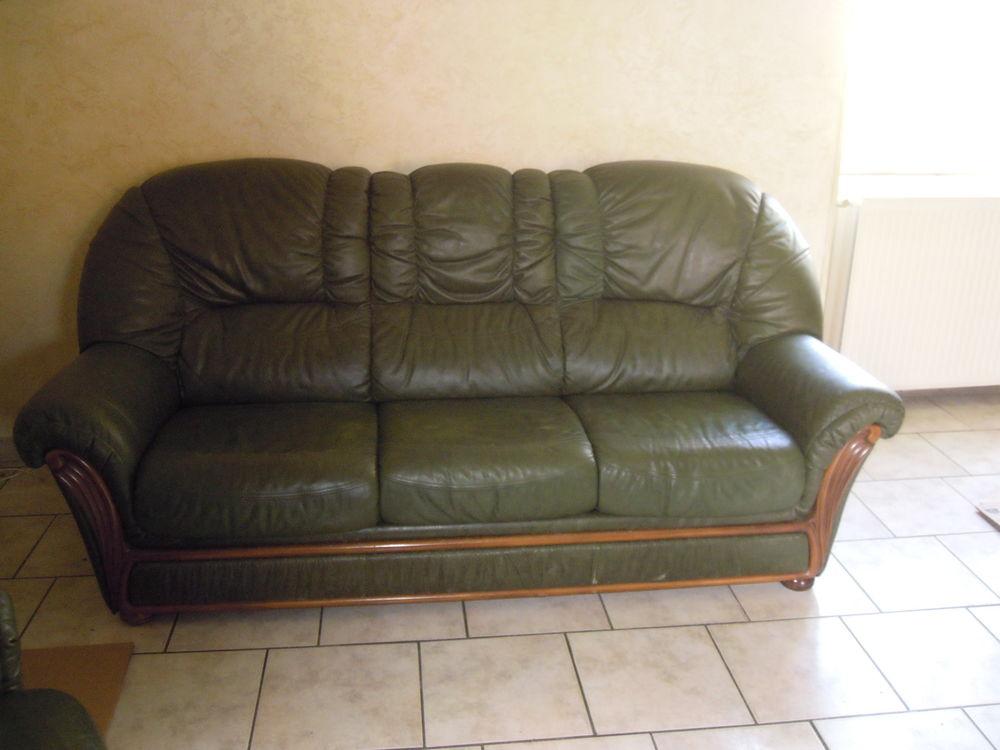 canapé et ses 2 fauteuils  table de salon halogène 0 Salornay-sur-Guye (71)