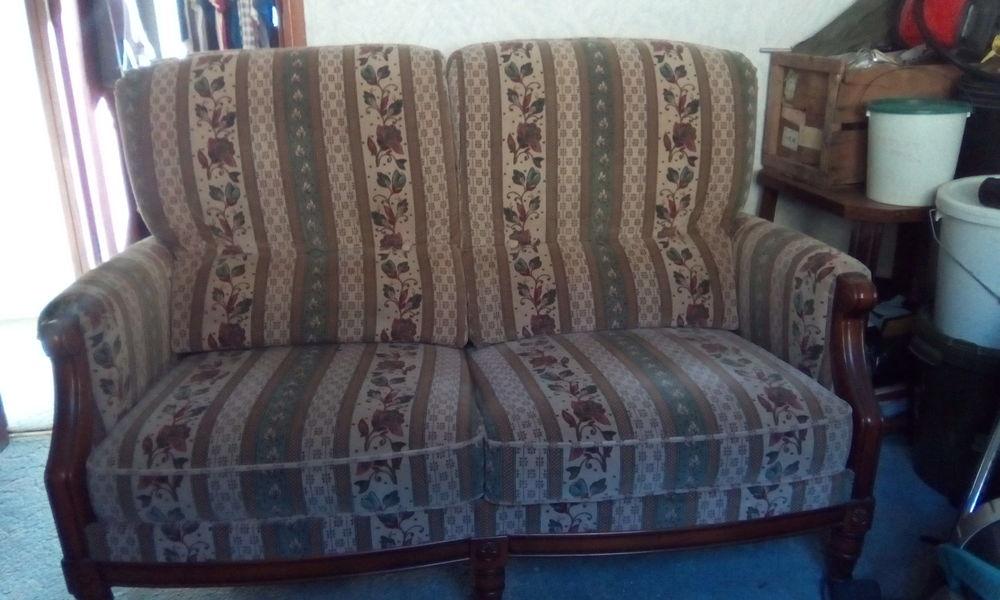 canapé et 2 fauteuils 0 Viviers (07)