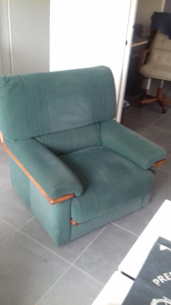 canapé + 2 fauteuils  100 Pont-l'Abbé (29)