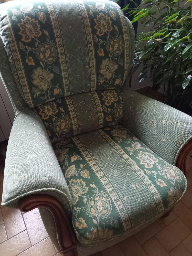 Canapé  et 2 fauteuils  200 Saint-Victeur (72)