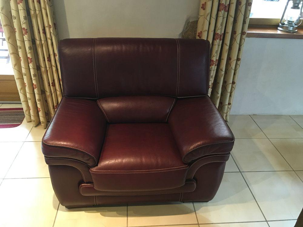 canapé et ses fauteuils 450 Saint-Justin (40)