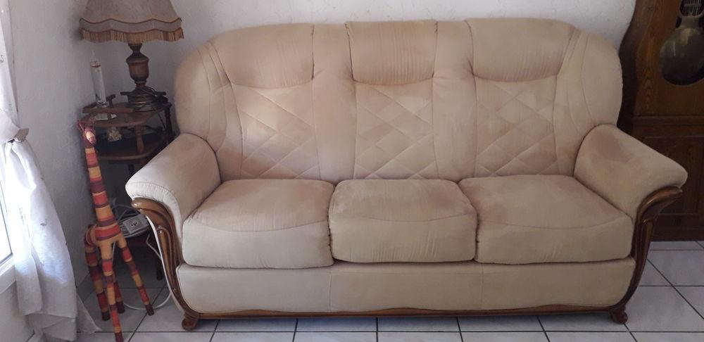canapé fixe 3 places + 2 fauteuils 400 Sorgues (84)
