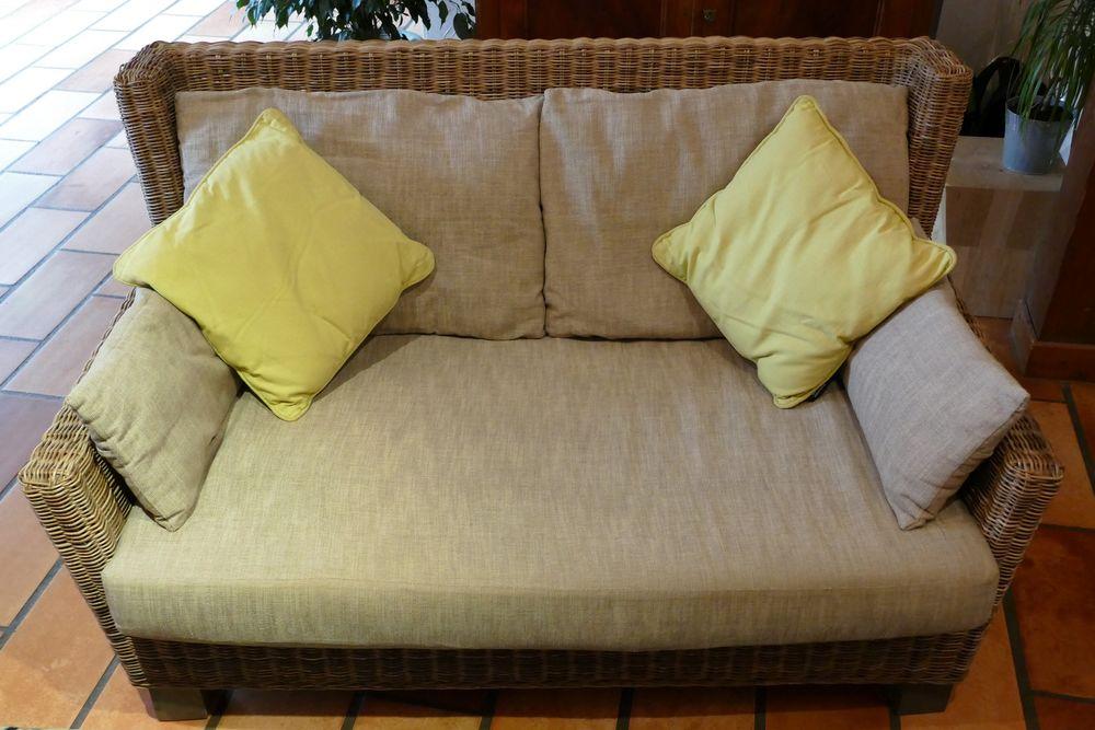 Canapé fixe rotin, teinte naturelle grisée / 2 places 240 Fleurieux-sur-l'Arbresle (69)