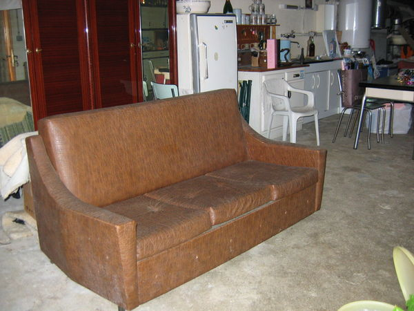 canap s occasion dans le jura 39 annonces achat et vente de canap s paruvendu mondebarras. Black Bedroom Furniture Sets. Home Design Ideas