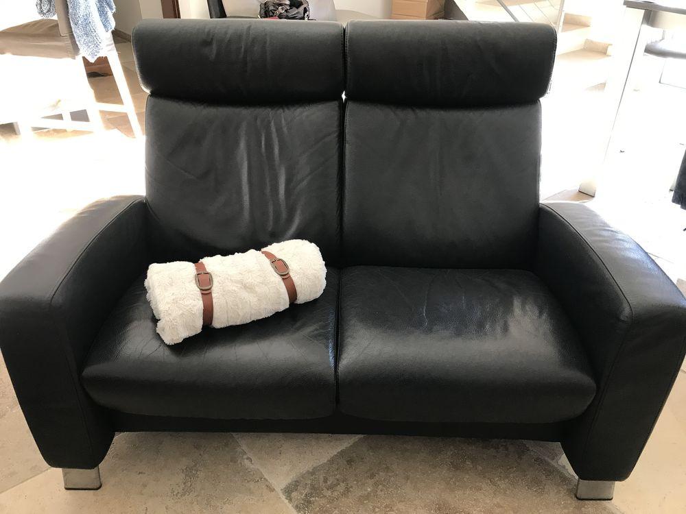 Canapé noir. CUIR STRESSLESS 800 Nîmes (30)