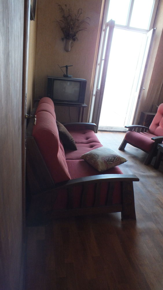 Canapé 3 place avec lit.+ 2 fauteuils. 500 Cornillon-Confoux (13)