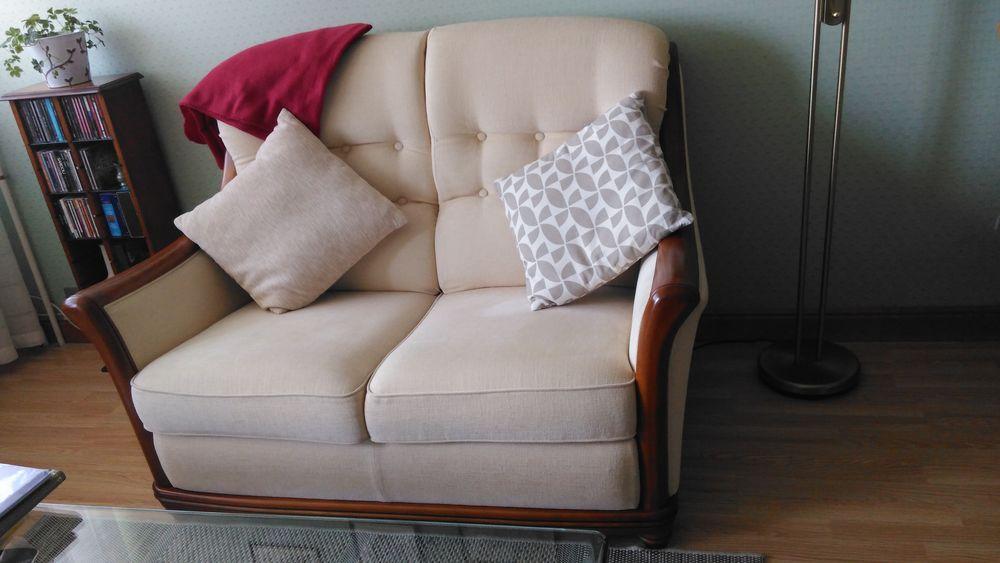 Canapé 2 places - beige 300 Cergy (95)