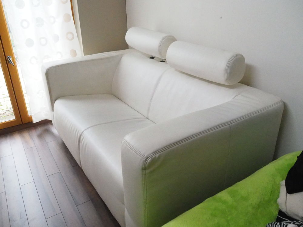Canapé 2 places blanc avec têtières réglables 250 Noyal-Châtillon-sur-Seiche (35)