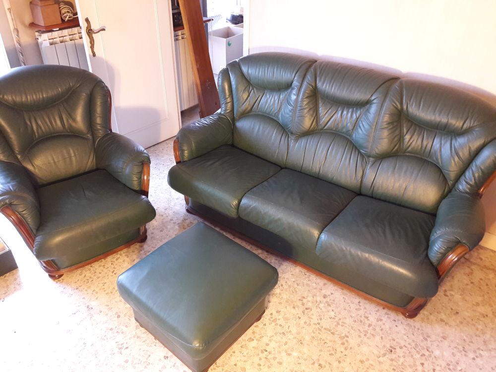 canapé 3 places cuir + 2 fauteuils + pouf Meubles