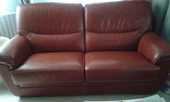 canapé 3 places cuir rouge 350 Ouistreham (14)