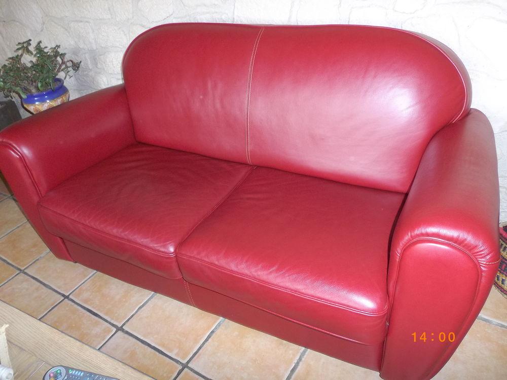canap s cuir rouge occasion dans l 39 ain 01 annonces achat et vente de canap s cuir rouge. Black Bedroom Furniture Sets. Home Design Ideas